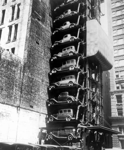 <p><strong>10.</strong> Gutmann,1920'lerde portland kent  merkezinde yoğunluk nedeniyle asansör otopark<br />Kaynak: www.flickr.com/photos/kraftgenie/4974622626/in/photostream/