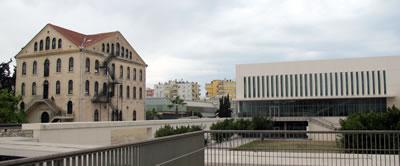 <p><strong>10.</strong> Yeni kampüsten Stickler Binasına bakış<br />  Fotoğraf:  Pınar Gökbayrak</p>