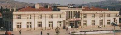 <p><strong>Resim </strong><strong>10.</strong> Sivas  Gar, 2004 <br /> Kaynak: TCDD fotoğraf arşivi</p>