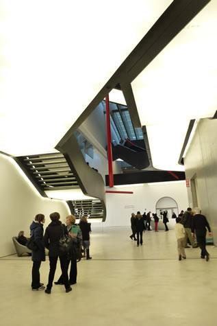 10. MAXXI Müzesi, Zaha Hadid, Roma, 2012. (Fotoğraf: Mimar Birsen Enisoğlu)
