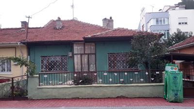 <p><strong>11. </strong>SSK Evleri Sokak Cephesi</p>