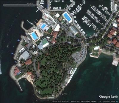 <p><strong>11</strong>. Fenerbahçe  Yarımadası, 25 Eylül 2015.<br />   Kaynak:  Google Earth </p>