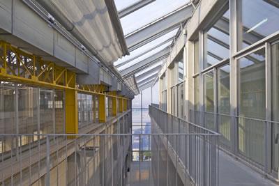 <p><strong>11.</strong> FRAC  Nord-Pas de Calais, yeni yapı iç mekân </p>