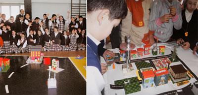 <p><strong>1.</strong> Ankara Şubesi çalışmalarından &ldquo;1000  Mimar 1000 Okulda Projesi&rdquo;<br />  Kaynak: Mimarlar Odası Ankara Şubesi  Çocuk ve Mimarlık Çalışmaları Merkezi, 2009</p>