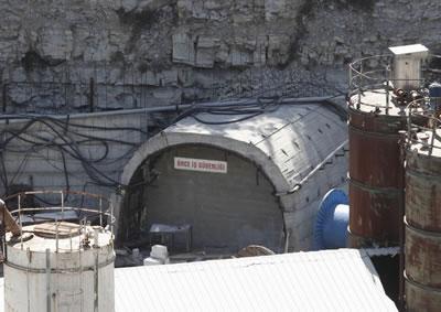 """Soma'da """"iş kazası""""nın yaşandığı madenin girişi Kaynak: Reuters"""