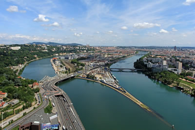 <p><strong>1.</strong> Lyon Confluence:  İki Nehrin Birleşmesi<br />Fotoğraf:  Hubert Canet</p>