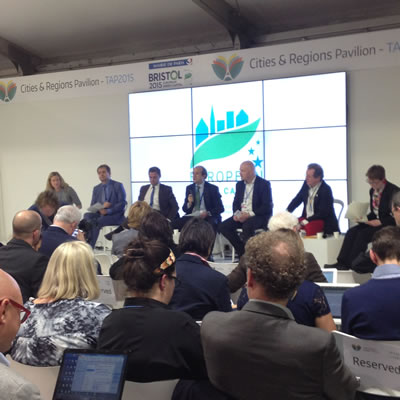 <p><strong>1.</strong> COP21 esnasında kentler ve iklim  değişikliği alanında gerçekleştirilen düzinelerce yan etkinlikten birisi:  Avrupa Yeşil Başkentlerinin Belediye Başkanları ve İklim Mücadelesi <br />