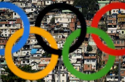 <p><strong>1.</strong> Olimpiyat Halkaları ve Favelalar (gecekondu  bölgeleri)</p>