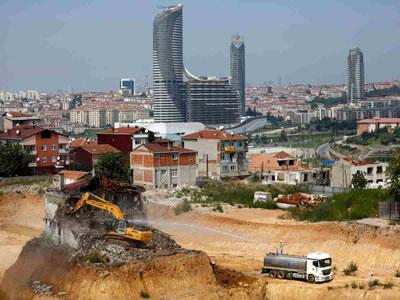 <p><strong>1. </strong>İstanbul Fikirtepedeki dönüşüm<br />Fotoğraf: Murad Sezer / Reuters, www.sariyerposta.com/tarabyada-donusumu-yorum-insaat-yapacak