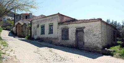 <p><strong>12. </strong>Bozköy,  geleneksel yapılar<br />Fotoğraf:  Umut Devrim Genç, Nisan 2015</p>