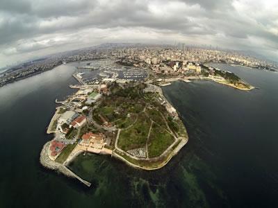 <p><strong>12</strong>. Fenerbahçe parkı, Fotoğraf: Uğur Ceylan, 2015.<br />Kaynak: www.panoramio.com/photo/117339786 [Erişim: 01.11.2017]