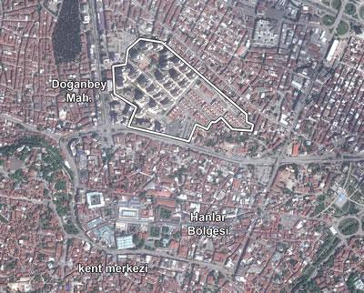 <p><strong>1</strong><strong>.</strong> Bursa Doğanbey dönüşüm  alanının, kent merkezi ve Hanlar Bölgesi ile ilişkisi<strong></strong><br /> Kaynak: Yandex</p>