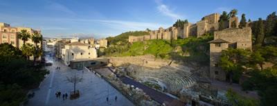 <p><strong>12. </strong>Kale eteklerindeki  tiyatro ve ziyaretçi merkezi, 2013 (Tasarım: Tejedor Linares & asociados,  2010).<br />   Kaynak:  Área de Turismo del Ayuntamiento de Málaga</p>