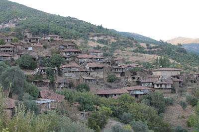 <p><strong>1.</strong> Lübbey Köyünden Bir Görünüş, 2013.<br />   Fotoğraf:  Koray Güler</p>
