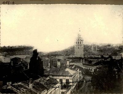 <p><strong>Resim 1.</strong> İAK (Alb-000468) numaralı 1865 Hocapaşa yangınını  gösteren fotoğraf</p>