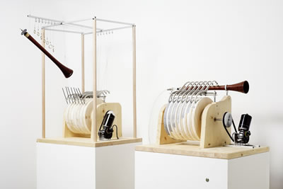 "<p><strong>1. </strong>Banu Musa Kardeşlere  atfedilen zurnacının modern rekonstrüksiyonları, ""Allahs Automata""  sergisi, ZKM - Center for Art and Media in Karlsruhe, 2015, Almanya.<br /> Fotoğraf: ZKM  – Karlsruhe</p>"