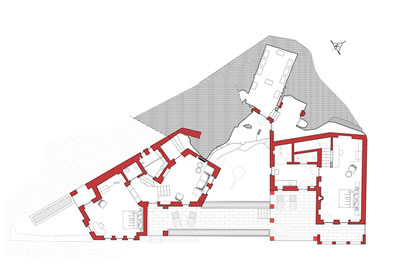 <strong>13.</strong> Üst kat planında süit odalar ve bunları  birbirine bağlayan teras<br /> Kaynak: Argos Yapı arşivi</p>