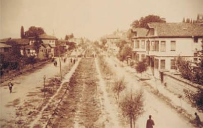 1. İzmit Hamidiye Caddesi ve trenyolu yatağı, 1873