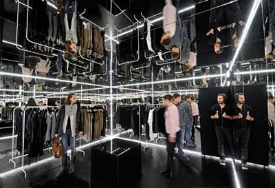 <p><strong>13b. </strong>Zou  Corp., Varşova, 2010. <br />Kaynak: http://thisispaper.com/Zuo-Corp-Pop-Up-Shop / [Erişim: 08.02.2014]