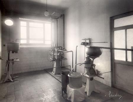 14. Laboratuarın ilk yıllarındaki görünümü