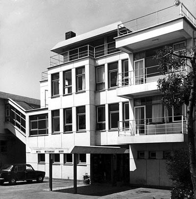 <p><strong>14a. </strong>Bekir Motel, Bayramoğlu-İzmit, 1969.</p>