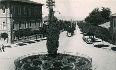 15. Açıldığı dönemde kent merkezinden İstasyon Caddesi. (Fotoğraf: Atilla Dündar, URL1)