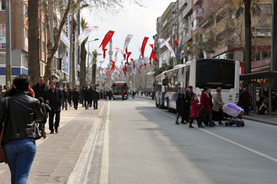 <p><strong>15.</strong> Gazi Mustafa Kemal  Paşa Bulvarı, 2015<br />Kaynak:İrem Selçuk</p>