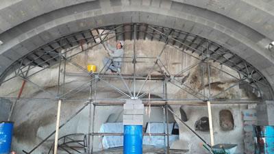 <p><strong>15.</strong> Müze Salonun tonozu inşa edilirken<br />   Kaynak: Argos Yapı arşivi</p>
