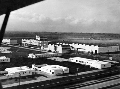 <p><strong>15a.</strong> Türk Pirelli AŞ Fabrikaları, Köseköy-İzmit, 1958.</p>