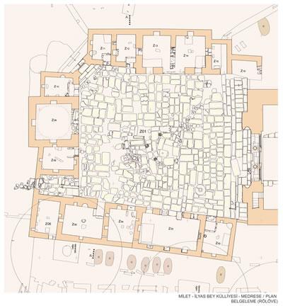 19. Cami ile ortak bir avlu etrafında yer alan medrese yapılarının planı