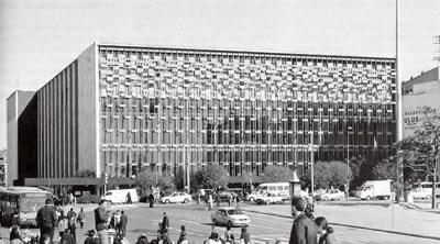 <p><strong>1a.</strong> Koruyamadığımız  modern mimarlık mirası yapılar: AKM, Büyük  Ankara Oteli, İnönü Stadyumu, Ankara Havagazı Fabrikası, Karşıyaka Atatürk  Zübeyde Hanım ve Kadın Hakları Anıtı, Balıkesir Kervansaray Oteli, Çubuk Baraj  Gazinosu </p>
