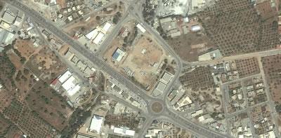 <p><strong>1b.</strong> Bodrum Ticaret Odasının bugüne kadarki hizmet binalarının yerlerini ve  yeni yapının bulunduğu alanı gösteren uydu görüntüleri </p>