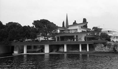 """<p><strong>20. </strong>Mim. Yılmaz Sanlı tarafından tasarlanan ve 1960'ların ikinci yarısında  inşa edilen """"Necmi Şahin Yalısı""""<br /> Kaynak: Yazarlar, 2019.</p>"""