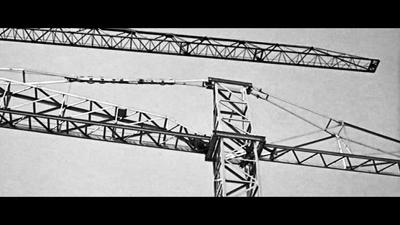 <p><strong>2.</strong> Jean-Luc Godard, Paris (2 ou 3 Choses  que Je Sais d'elle, Jean-Luc Godard, 1967)<br />  Kaynak: Çiçekoğlu, Feride,  2015, <strong>Şehrin İtirazı</strong>, Metis  Yayınları, İstanbul, s.39.</p>