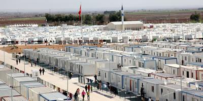 <p><strong>2. </strong>Harran, Şanlıurfa  Konteynerkenti'ndeki son durum toplam 2.000 konteyner ve 13.942 Suriyeli, 18  Nisan 2016.<br />Kaynak: www.afad.gov.tr/tr/IcerikDetay1.aspx?ID=16&IcerikID=848 [Erişim:10.04.2016]