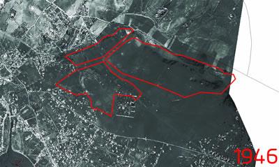 <p><strong>2. </strong>Fikirtepe  1946 yılı hava fotoğrafı ve dönüşüm alanı sınırları; alandaki tek yapı olarak  V. Murat av köşkü<br />  Kaynak: İBB Haritaları  derlenerek Dinçer Aydın tarafından çizilmiştir.</p>