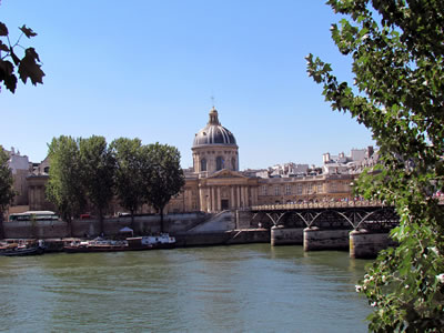 <p><strong>2. </strong>The Pont des Arts, 1804, Paris (2012) </p>