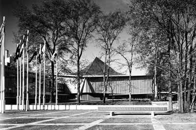<p><strong>2. </strong>Commonwealth  Institute Binası<br />  Kaynak: Architectural Review,  1963, Apr, p:260-266</p>