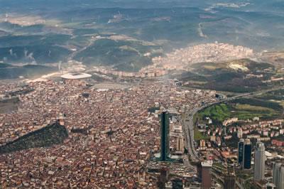 <p><strong>2.</strong> İstanbul Hava Fotoğrafı,  Levent ten Gayrettepe ye bakış<br />https://guidoanselmi.deviantart.com/art/Istanbul-Aerial-II-351047009 [Erişim: 14.12.2017]