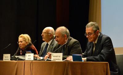 <p><strong>2. </strong>Trabzon da kent  kimliği ve mimarlık konulu panel (sol baştan): Prof. Dr. Şengül Öymen Gür,  Prof. Dr. Ruşen Keleş, Bekir Gerçek ve Mehmet Ali Yardımoğlu, 21 Şubat 2019, Ankara.</p>