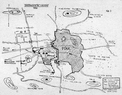 <p><strong>2.</strong> 1920 yılında Fransız Kumandan Abadie  tarafından çizilen Antep kenti krokisi<br />   Kaynak: Abadi, 2012, s.141.</p>