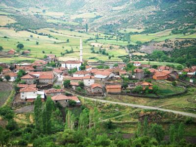 Köy tüm unsurları ile bir bütündür: Karacaağaç, Balıkesir.