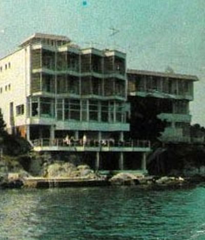 """<p><strong>22.</strong><strong> </strong>1970 li yıllara tarihlenen kartpostalda """"Bekir Motel""""<br /> Kaynak: Darıca Belediyesi Arşivi.</p>"""