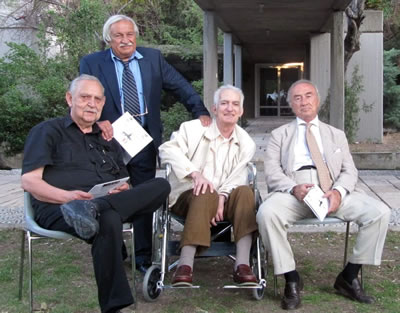 <p><strong>2.</strong> (soldan sağa) Doruk Pamir, Bedri Esenli, Mehmet Adam,  Erkut Sahinbaş<br /> Kaynak: Suha Özkan</p>