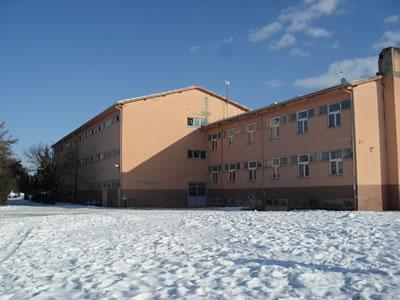 <p><strong>25.</strong> Pansiyon binası</p>