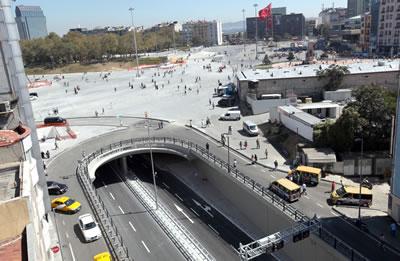 Taksim Meydanı'nda yapımı tamamlanmış Taksim Yayalaştırma Projesi