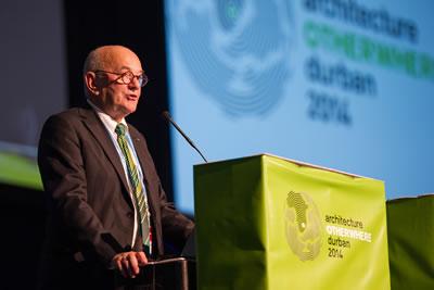 UIA Başkanı Albert Dubler Açış Konuşmasını yaparken Fotoğraf: Luca Barausse