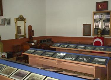 27. Ali Çetinkaya İstasyonu müze ve bavul bölümü.