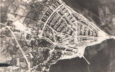 <p><strong>2.</strong> 1960&rsquo;li Yıllarda Köşkburnu&rsquo;nun  Havadan Görünümü (© İ. Çağlı Arşivi)</p>