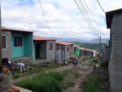 <p><strong>2.</strong> Ciudad Espana evlerin inşaatında çalışan  kullanıcılar</p>